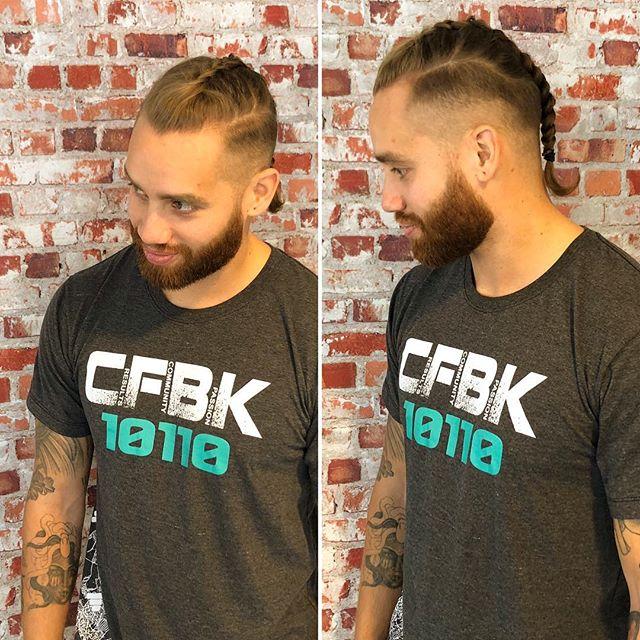 #barbershop #barber #haimasterj #vikings #braids #braidsbyjessy #jessystory #hairmasterj #fushion #kappertilburg #013 #mooikapsel & baard door Jair @kenenjerrys #tilburg