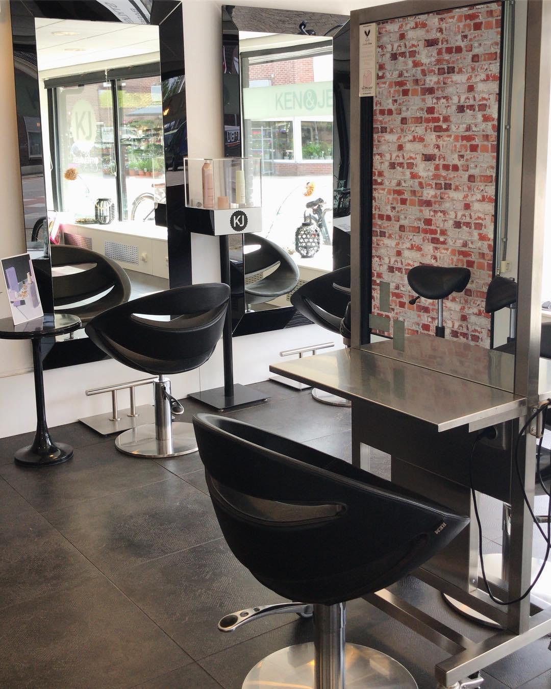 Nog enkele plekken beschikbaar vandaag & morgen. #hairdresser #kenenjerrys #beautifullhair #tilburg