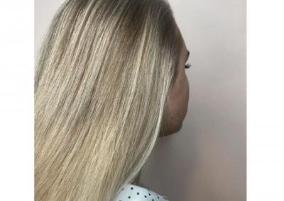 #vakantieinjehaar?@kenenjerrys #kenenjerrys #kapsalontilburg #tilburg #013 #blondeshavemorefun #blonde #babylights // SWIPE voor de voor foto